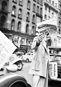 Newspaper Scene  Posters Fotokonst