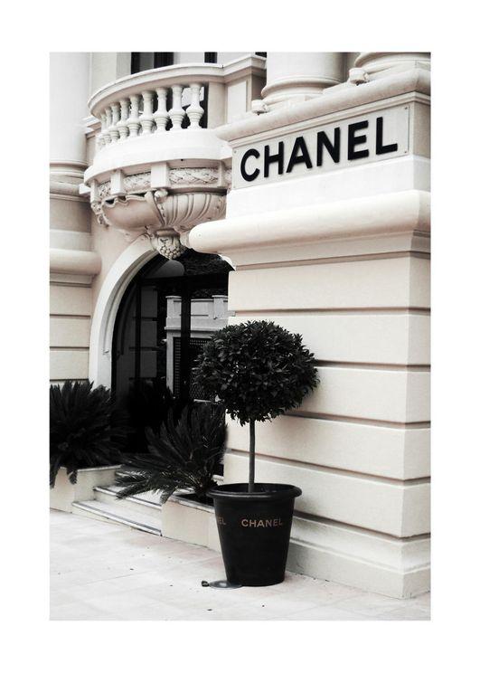 Chanel Exterior 2